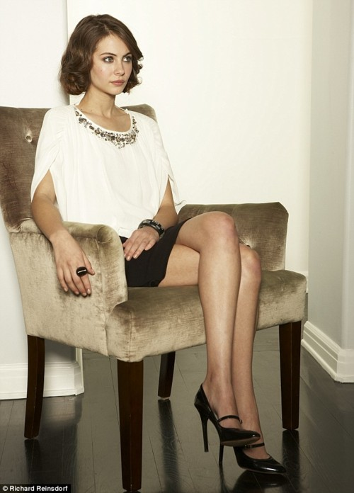 willa holland 3